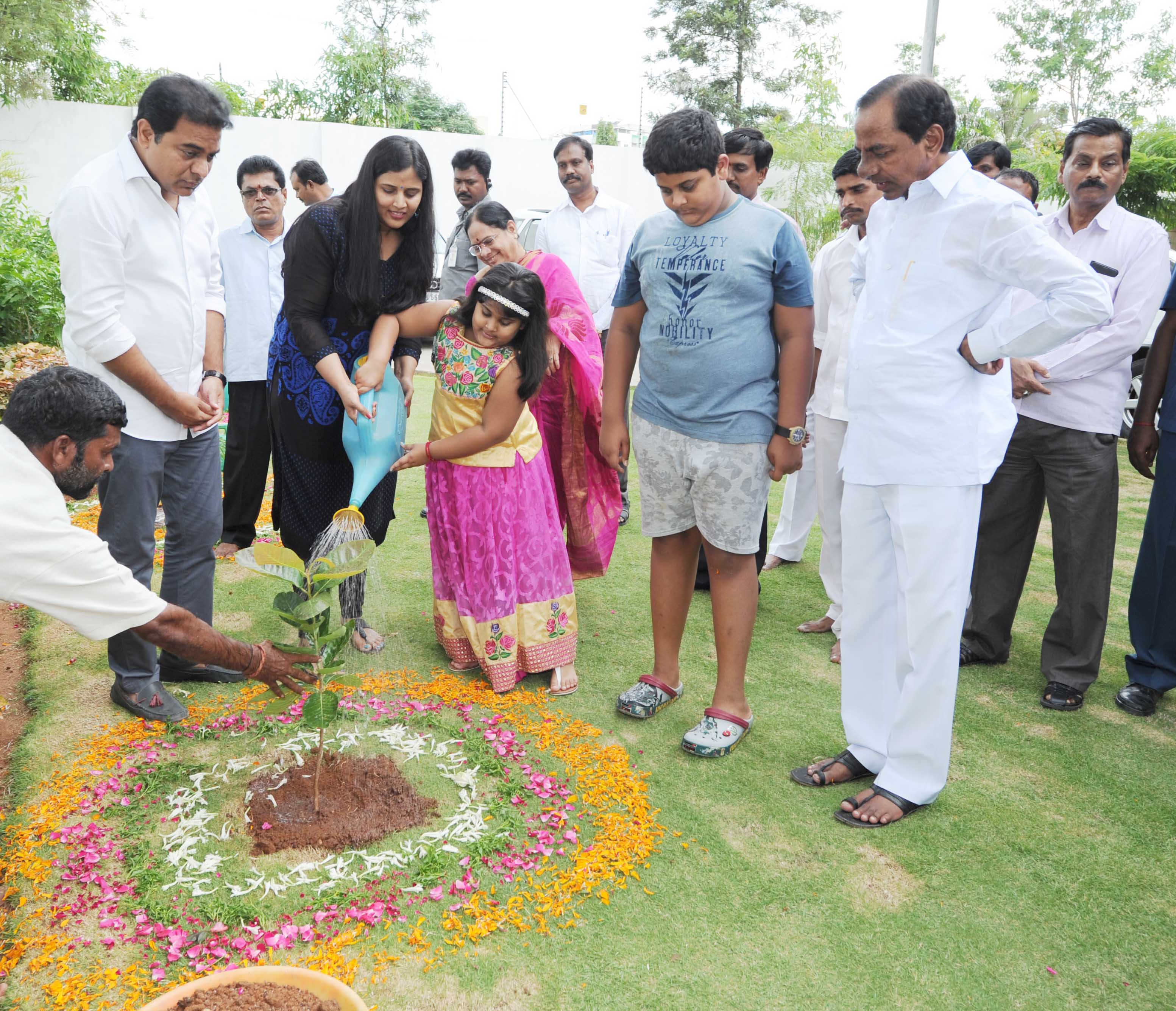 TS Chief Minister K.Chandrashekhar Rao, Minister KT Rama Rao Participated with their family members in Telanganaku Haritha Haram Programme at cm camp office on 13-7- 2016