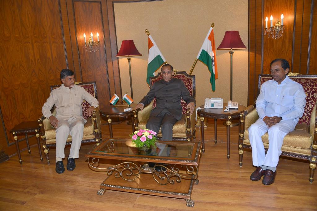 CMs of AP, TS babu, KCR met Governor Narasimhan at Rajbhavan on Aug15, 14. and others Gallery