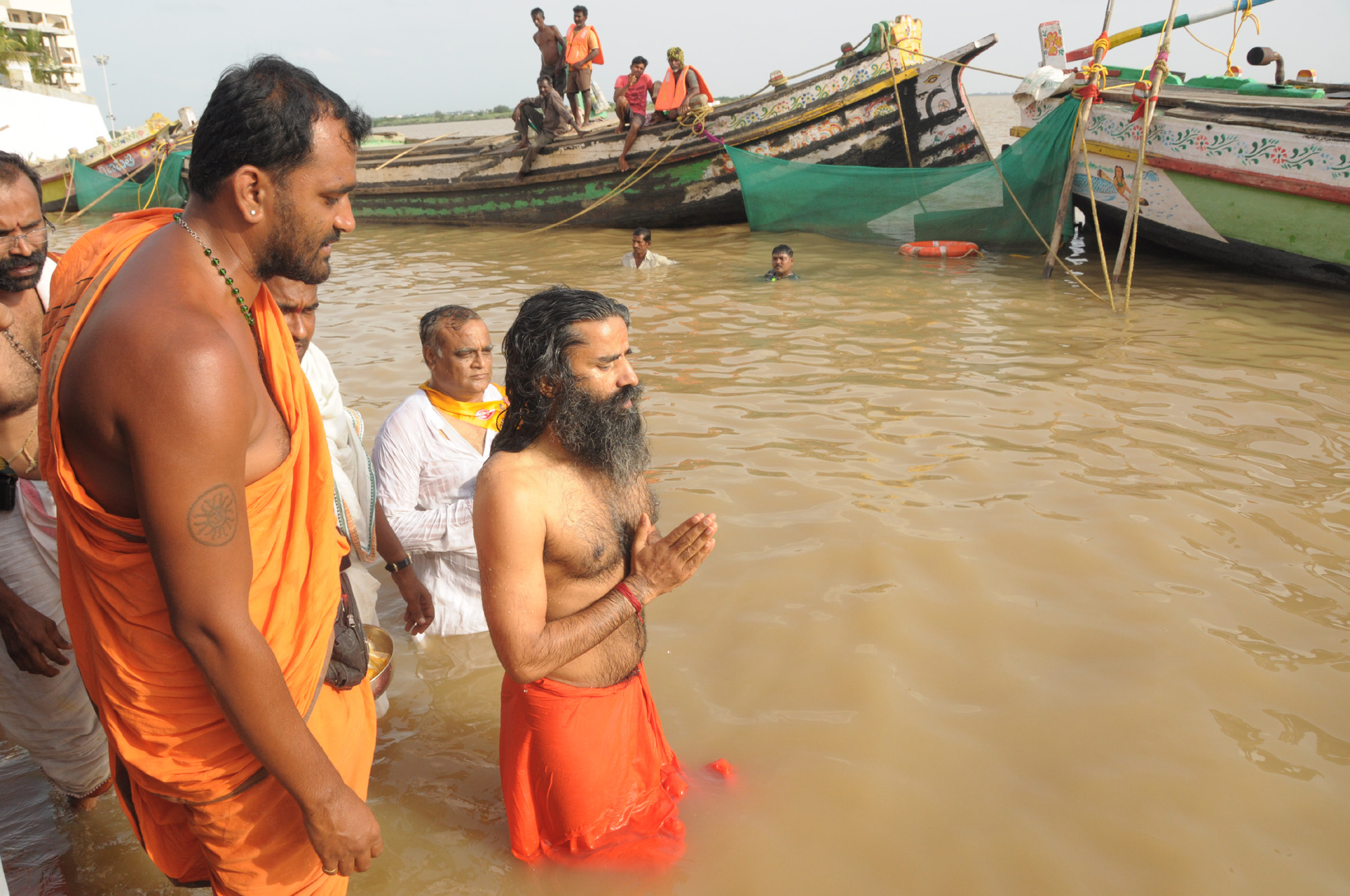 Ramdev Baba take Pushkara Bath in V.I.P. Ghat of Rajahmundry on 25.7.2015 and Mangalampalli bala murali krishna kacheri pics.