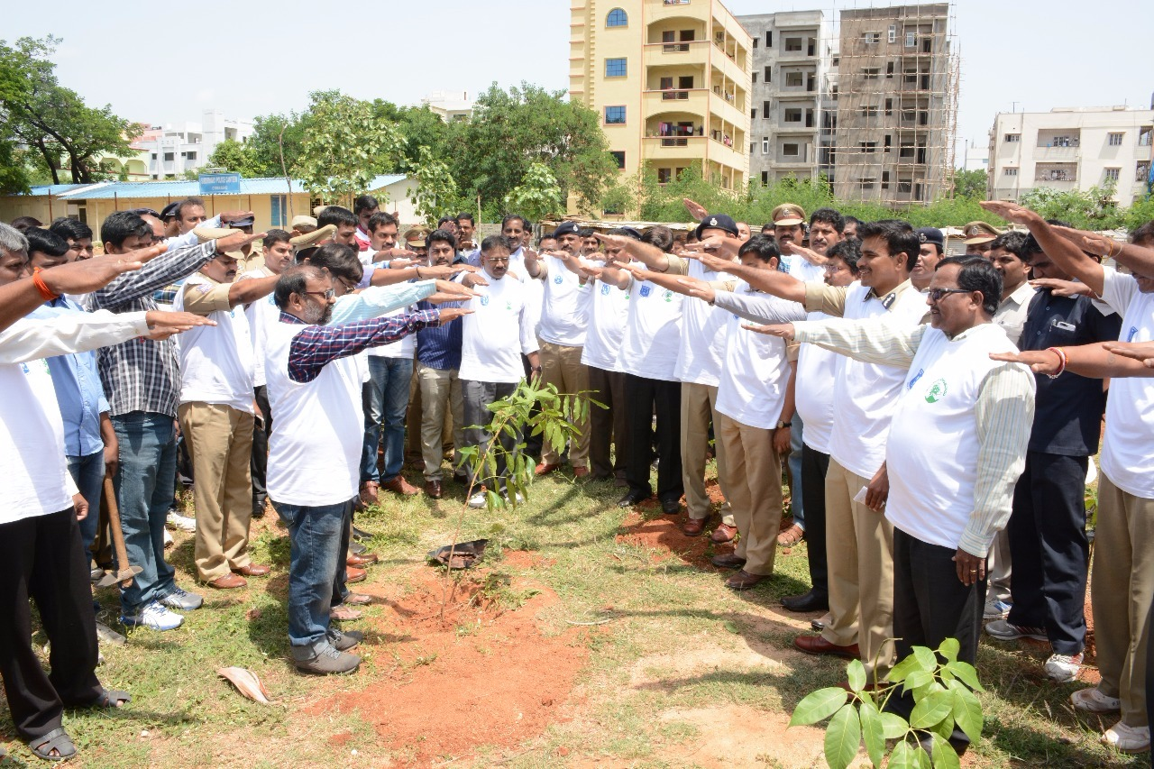 Haritaharam at  Cyberabad commissionarate by Commissioner CV Anand, Traffice DCP Avinash mahanty, DCP Crimes Naveen kumar, ADCPs  and other officers on 04.07.2015