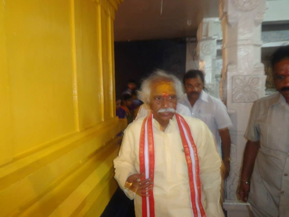 MP Dattatreya, MLA C.Ramchandra Reddy prayers Bonalu Jatara at 7Temples, Khairtabad on 20,07,2014 Ga