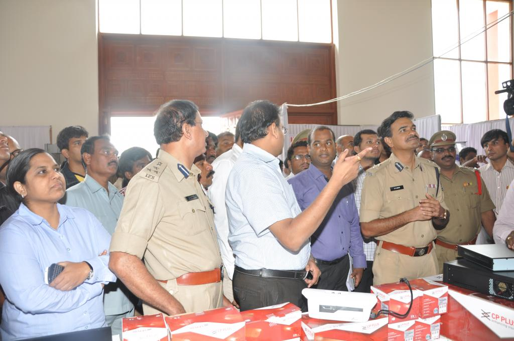 AWARENESS SESSION ON PUBLIC SAFETY, RULES, 2014 Presentation by Cyberabad CP C.V.Anand ON Aug5 Galle