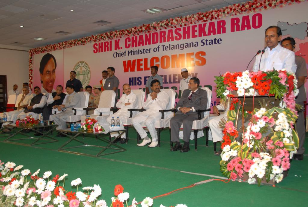 TS CM KCR at the felicitation of Ch.Vidyasagar Rao, Governor of Maharashtra at Jalavihar on 9.11.14