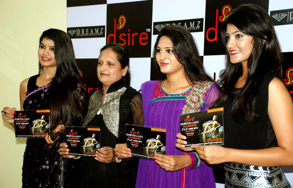 CURTAIN RAISER OF DESIRE DESIGNER EXHIBITION-ACTRESS SHWETHA JADHAV & MODELS GALLERY