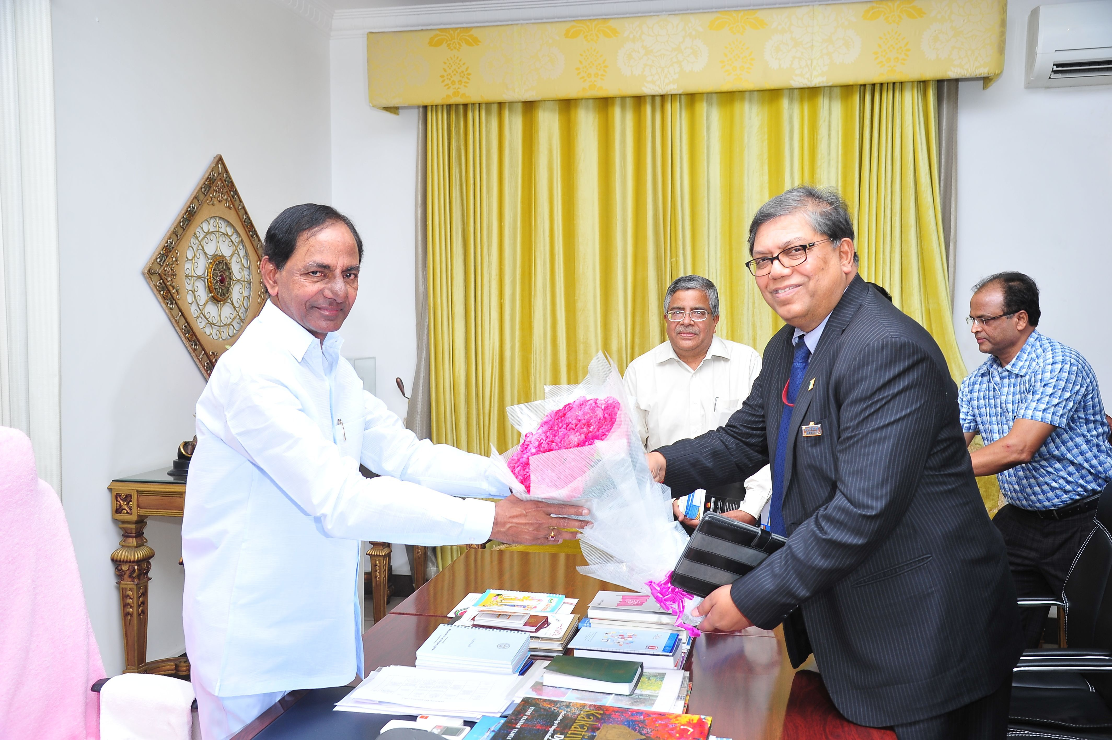 CMD of NTPC called on TS Chief Minister K. Chandrashekhar Rao on 25-05-2015 at CM Camp office