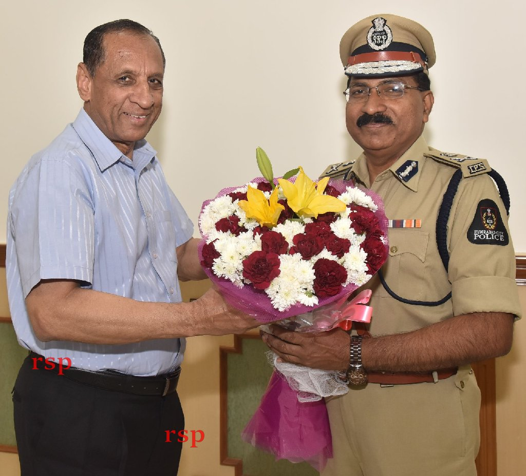 Mahendar Reddy takes over as in-charge Telangana DGP